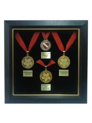 Enmarcado de cuadros taller de enmarcado 06 medallas for Enmarcar cuadros precios