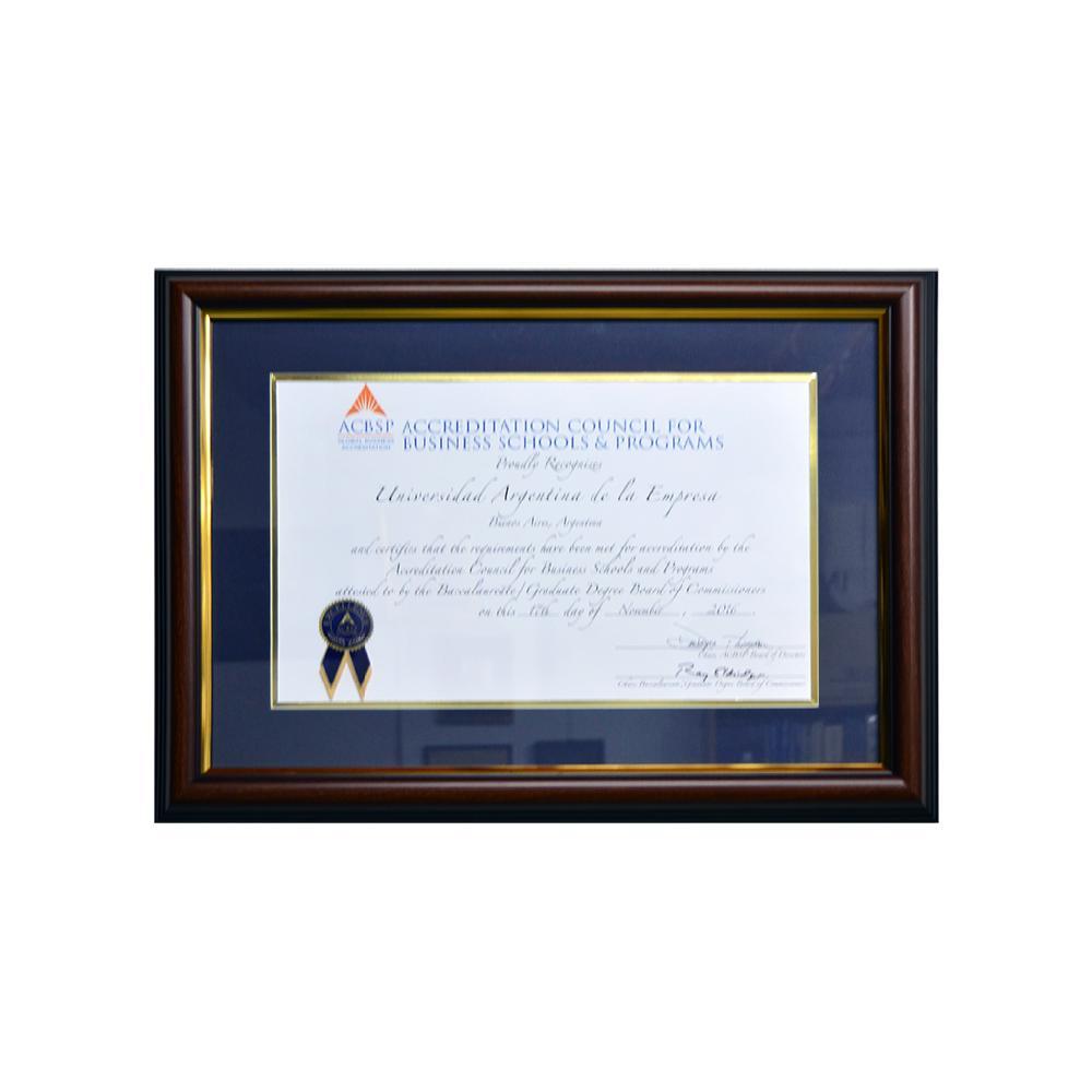 enmarcado diploma