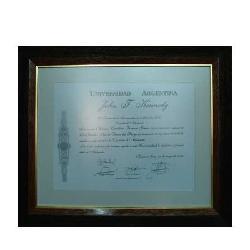 Enmarcado de diploma  Universidad Kennedy Marcos y Cuadros